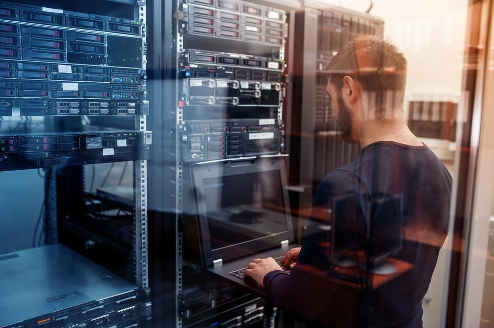 Read more about the article What Is Server Management? Best Practices, Best Software